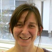Dr. Angela Ribas Artola : Professora associada UAB